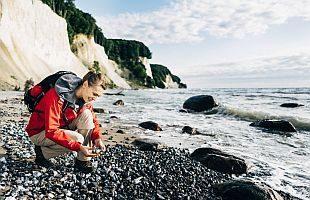 Natur erleben im Nationalpark Jasmund auf der Insel Rügen. Foto: TMV/Roth